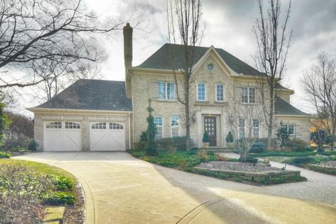 Photo of 21475 Avalon Dr, Rocky River, OH 44116