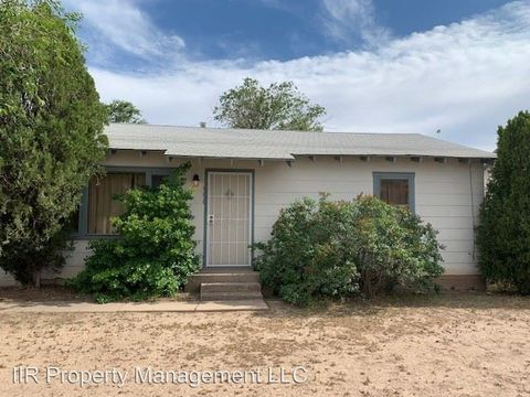 Photo of 600 W Mc Gaffey St, Roswell, NM 88203