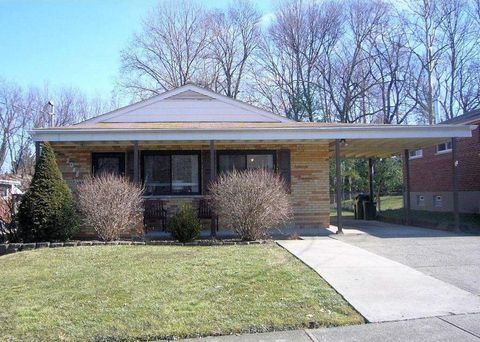 2048 Faycrest Dr, Green Township, OH 45238