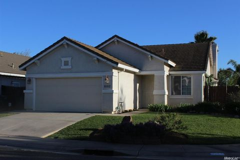 8162 Redford Way, Sacramento, CA 95829