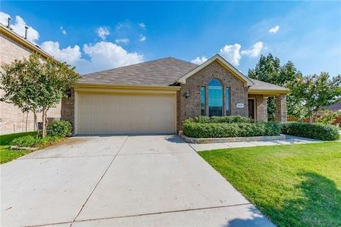 2801 Coyote Trl, Little Elm, TX 75068