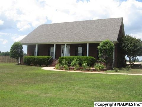 26435 Pepper Rd, Athens, AL 35613