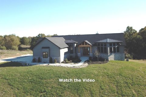 Photo of 10485 Timberhill Rd, Manchester, MI 48158