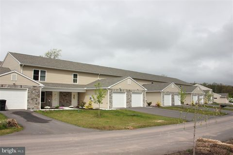 Photo of 153 Natures Trl, Millersburg, PA 17061