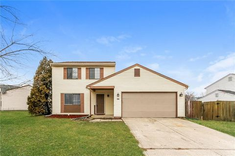 Photo of 104 Meadow Creek South Dr, Whiteland, IN 46184