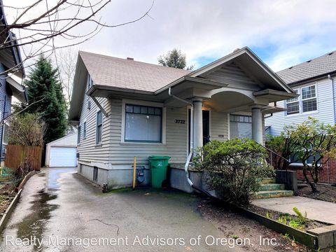 Photo of 3722 Se Stark St, Portland, OR 97214