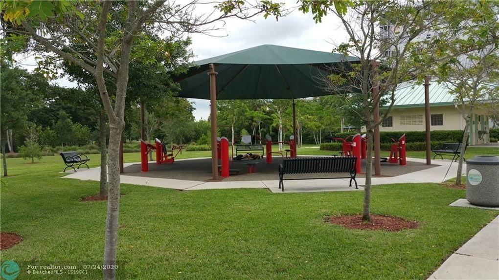 2751 N Palm Aire Dr Apt 603 Pompano Beach, FL 33069
