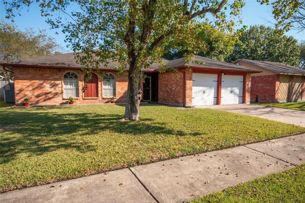 8418 Quail Burg Ln Houston, TX 77489
