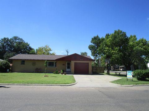 2015 Center St, Garden City, KS 67846. House For Sale
