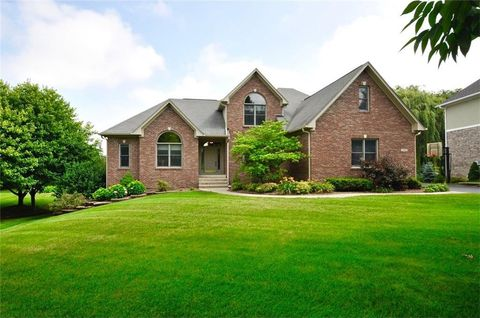 10548 Chestnut Hill Ct, Fishers, IN 46037
