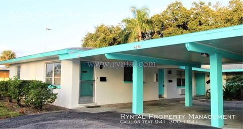 Photo of 6325 Gateway Ave Unit 6325, Sarasota, FL 34231