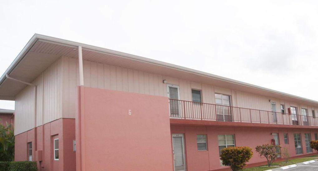 6 Golfs Edge Apt F, West Palm Beach, FL 33417 - realtor.com®