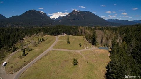Photo of 126 Burl Ln, Packwood, WA 98361
