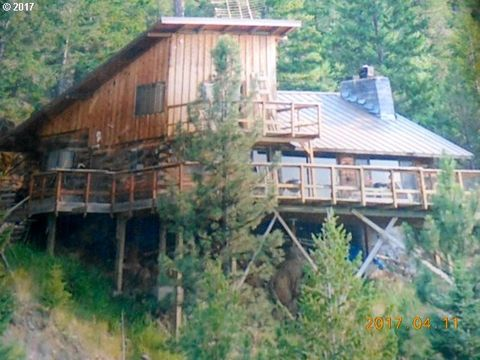 Photo of 25400 Dog Creek Rd, John Day, OR 97845