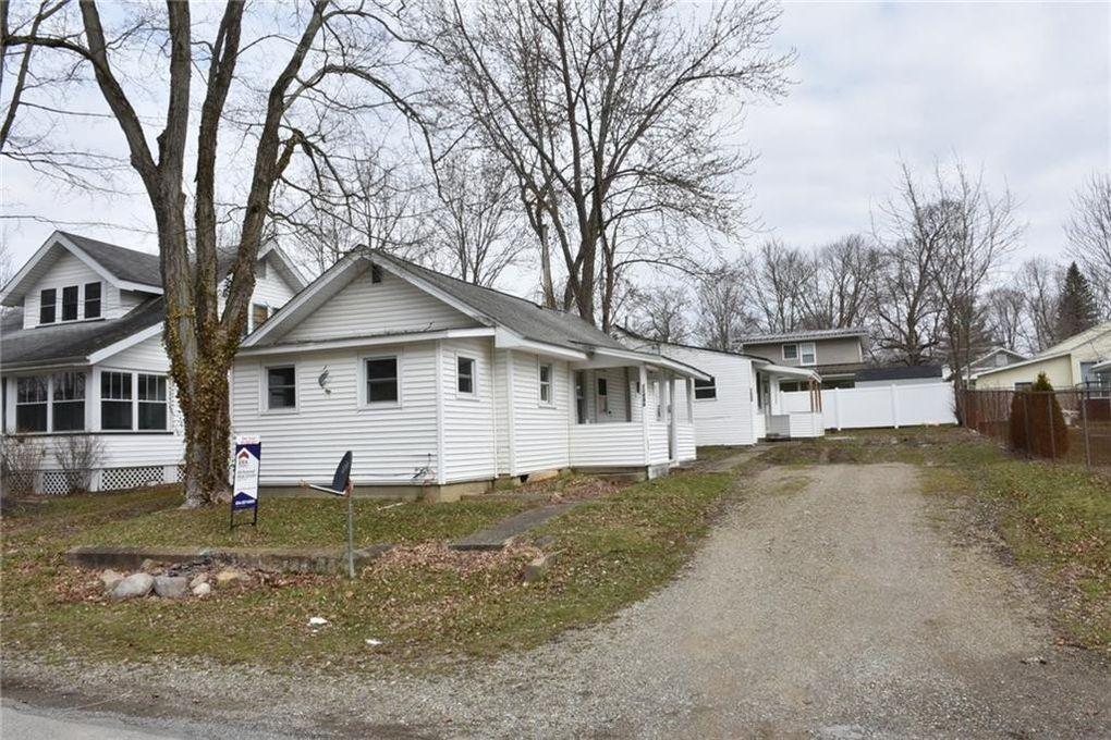 11886-11888 Lakeview Dr, Conneaut Lake, PA 16316