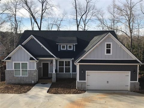 Photo of 402 Bay Hill Dr, West Union, SC 29696