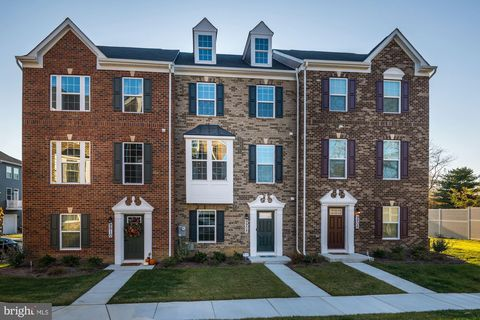 Photo of 9908 Vista Pointe Dr, Largo, MD 20774
