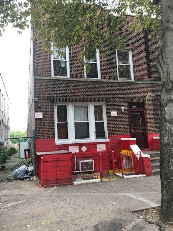 1010 Longfellow Ave, Bronx, NY 10459