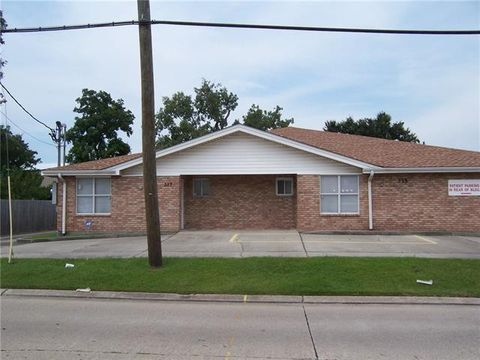 Photo of 315 W Genie St, Chalmette, LA 70043