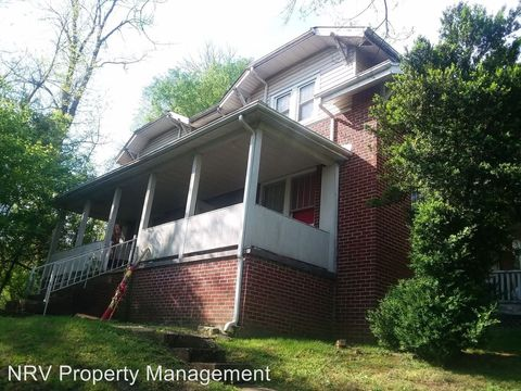 Photo of 802 Tyler Ave, Radford, VA 24141