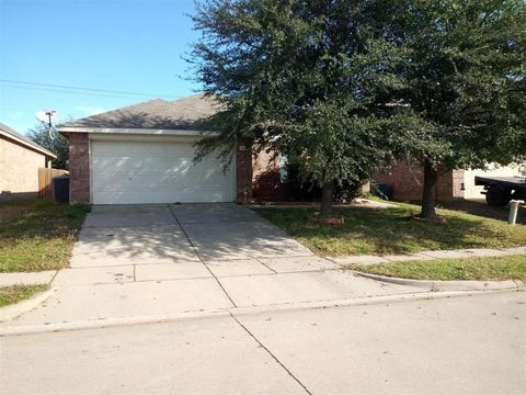 Photo of 1128 Maplewood Ln, Crowley, TX 76036