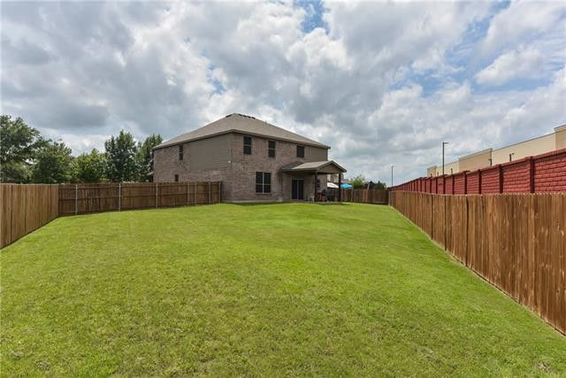 300 Chase Hill Ln, Burleson, TX 76028