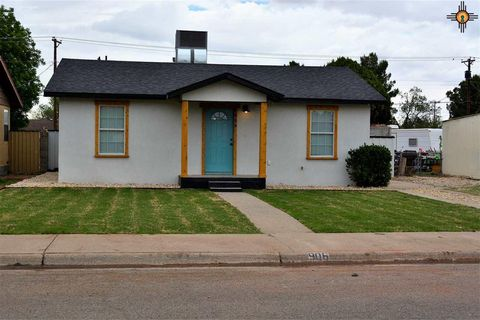 Photo of 906 W Ray Ave, Artesia, NM 88210