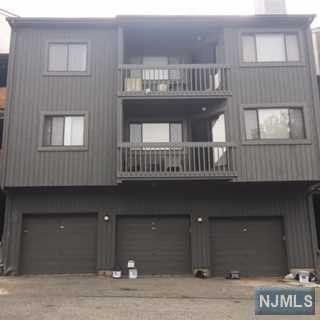 271 Redwood Ct Ramsey NJ 07446