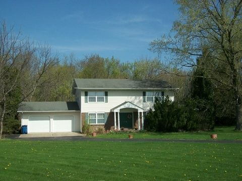 1130 Timber Ridge Rd, Princeton, IL 61356