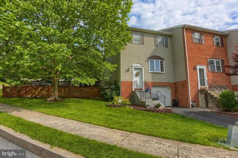 3901 Penns Dr, Reading, PA 19606