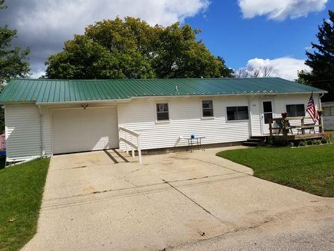 414 N Cedar St, Evart, MI 49631