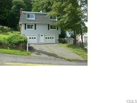 87 Andrew Ave Unit Right, Naugatuck, CT 06770
