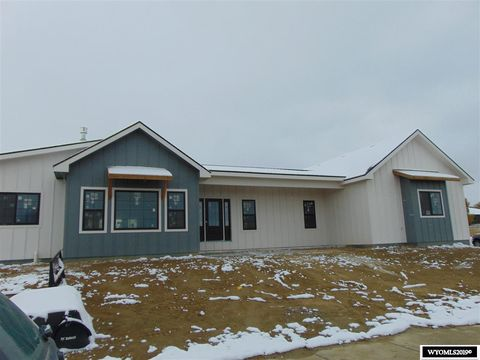Photo of 5211 Gladstone St, Casper, WY 82609