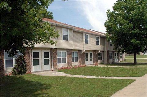 Photo of 700 W 8th St, Lamar, MO 64759