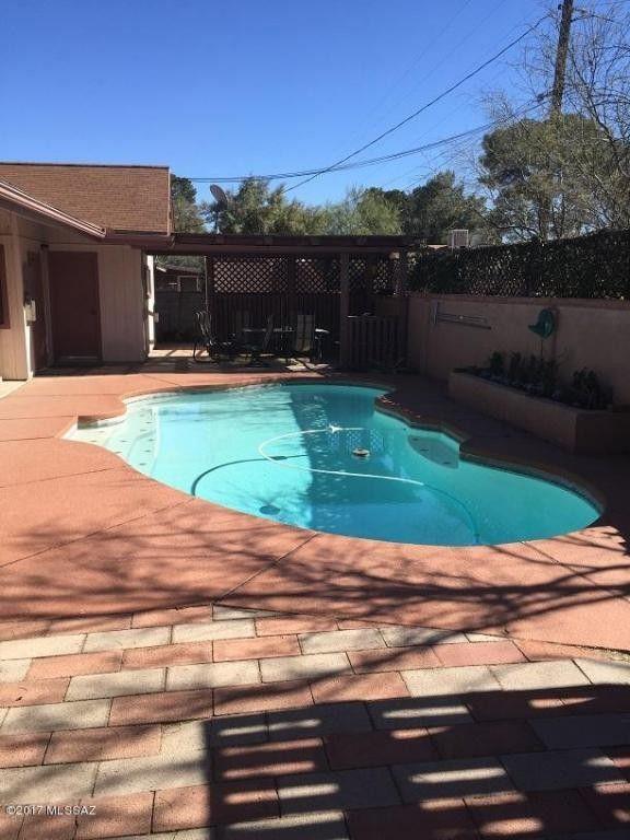 2240 E Mitchell St, Tucson, AZ 85719