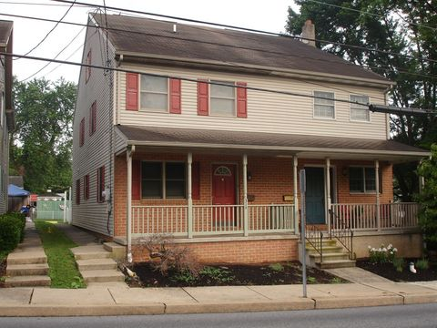 Photo of 314 N Water St, Lititz, PA 17543