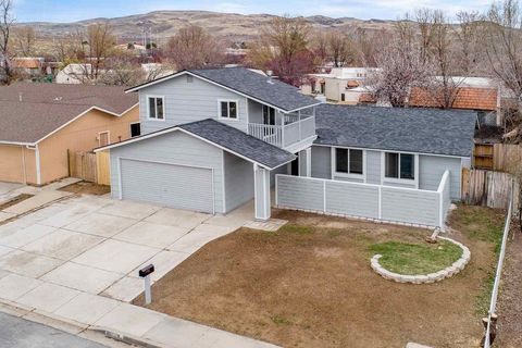 Photo of 1043 Pinewood Dr, Sparks, NV 89434