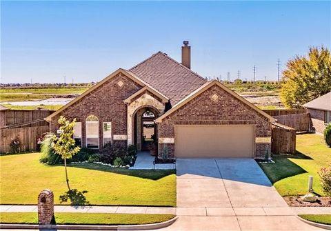 204 Hedgewood Dr, Waxahachie, TX 75165