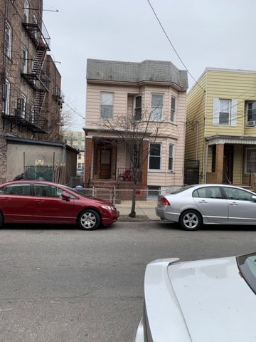 Photo of 409 52nd St, West New York, NJ 07093