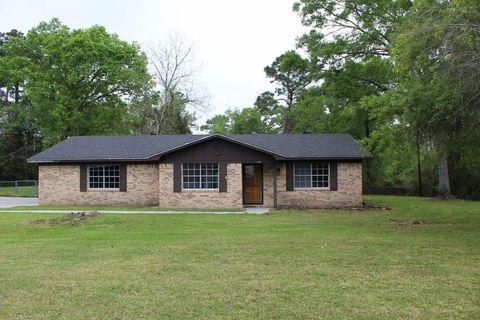 11446 Olive Rd, Lumberton, TX 77657