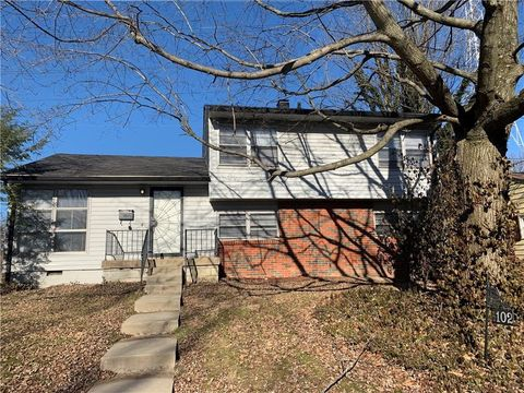 6102 E 43rd St, Indianapolis, IN 46226