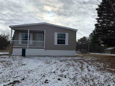 Photo of 3 Country Ln, Rochester, NH 03867