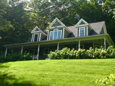 Photo of 223 Stoney Fields Rd, Manchester, VT 05255