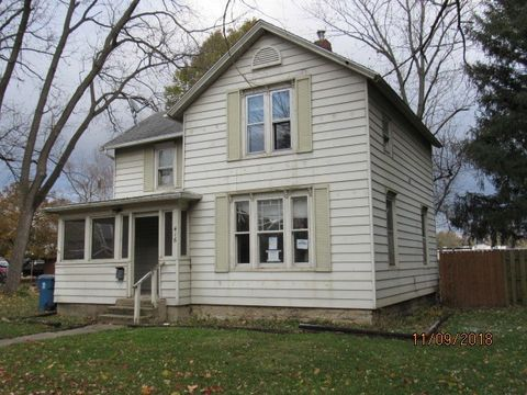 Photo of 416 N Elm St, Momence, IL 60954