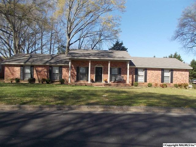 2805 Mc Tavish Ave Sw, Decatur, AL 35603