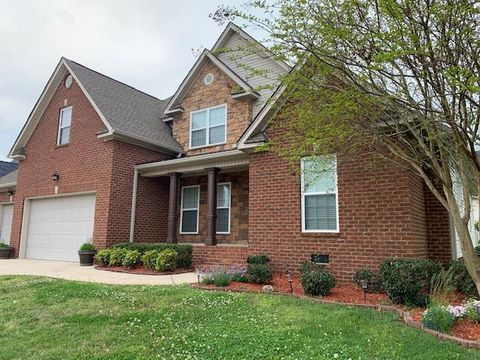Photo of 8475 Jay Trent Ct, Ooltewah, TN 37363