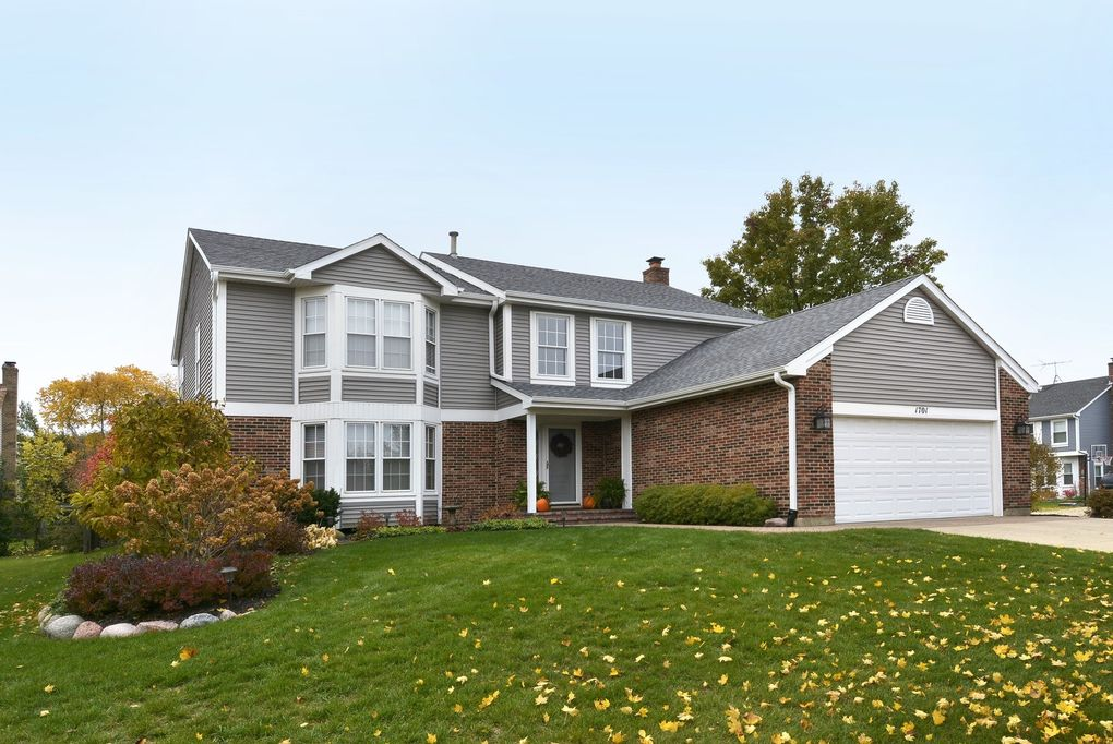 1701 Independence Ct, Mount Prospect, IL 60056