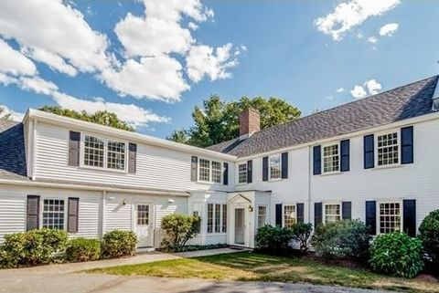 66 Fairgreen Pl, Brookline, MA 02467