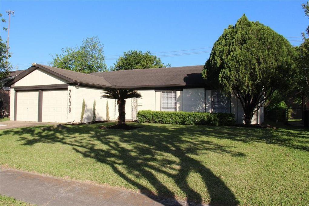 7739 Barberton Dr, Houston, TX 77036