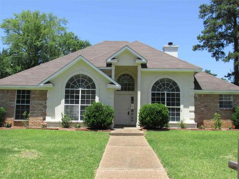 Photo of 2113 Pinehaven Dr, Flowood, MS 39232